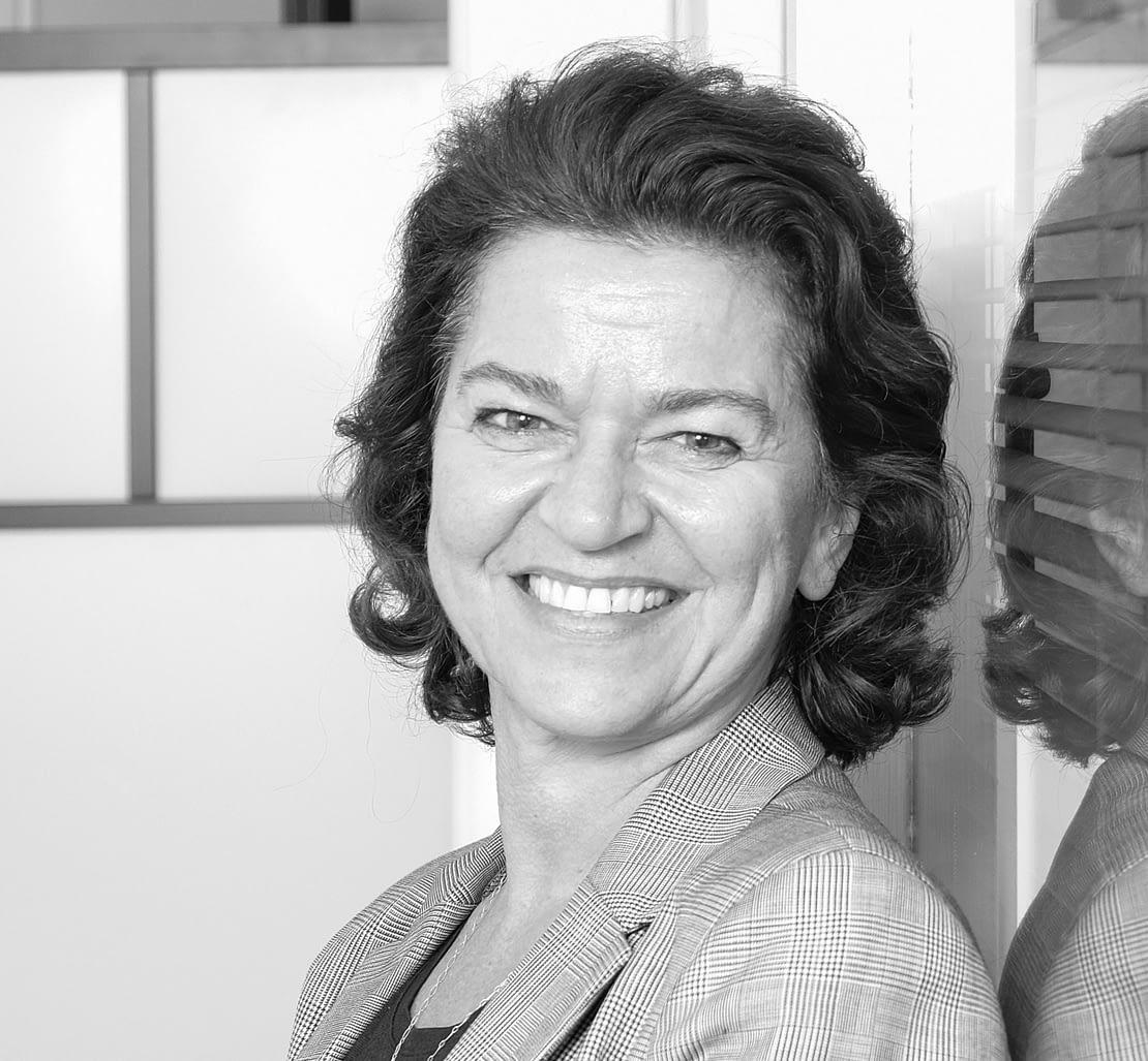 Kirsten Roennau,